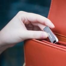 闪迪(SanDisk)64GB USB3.1 U盘CZ74酷奂银色 读速150MB/s 金属外壳 内含安全加密软件